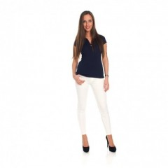 Jeans blanc avec polo coloré